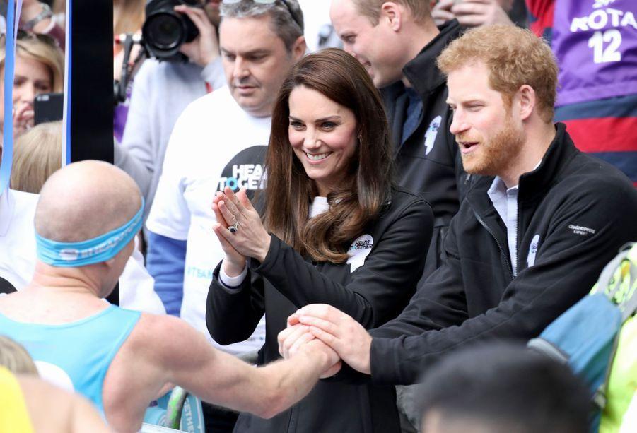 Kate Middleton et le prince Harry à Londres, le 23 avril 2017