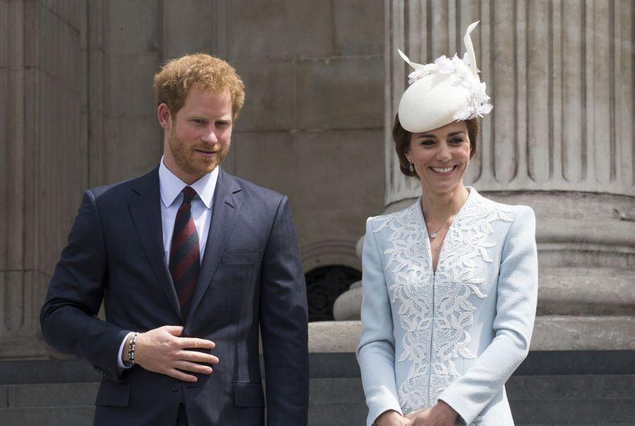 Kate Middleton et le prince Harry à Londres, le10 juin 2016