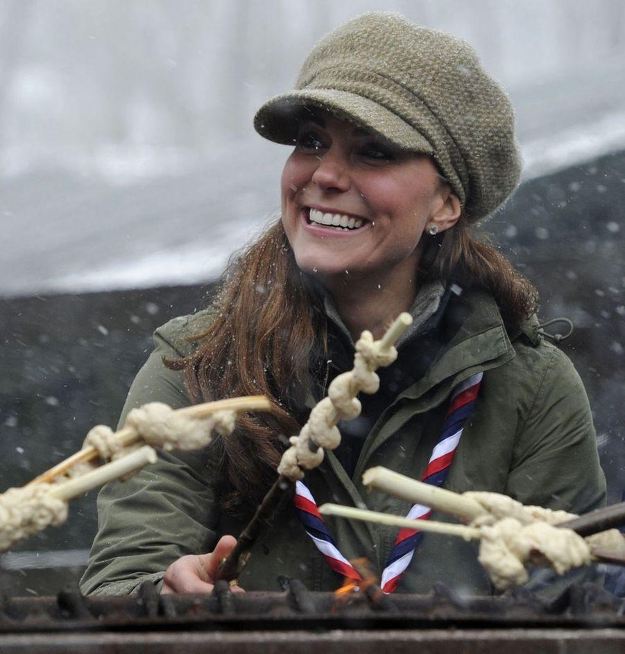 Kate avec les scouts dans le nord de l'Angleterre, le 22 mars 2013