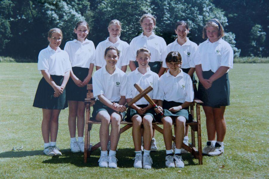 Kate Middleton, dix ans en 1993, à l'école St Andrew's School de Pangbourne.
