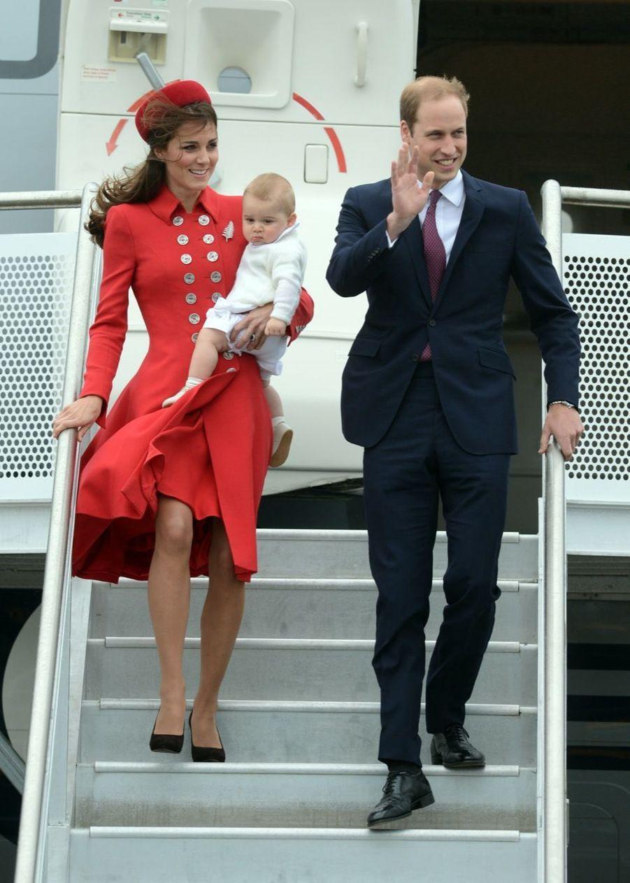 Kate, William et George arrivent en Nouvelle-Zélande, le 6 avril 2014