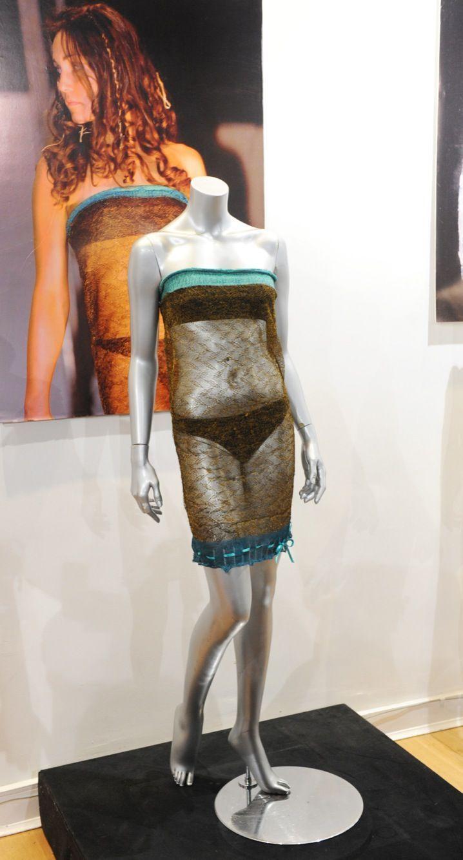 La fameuse robe portée par Kate Middleton en 2002 sous les yeux du prince William...