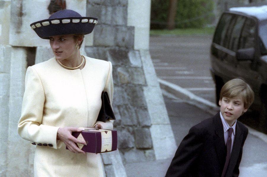 Le prince William avec sa mère Diana, Pâques 1992 à Windsor