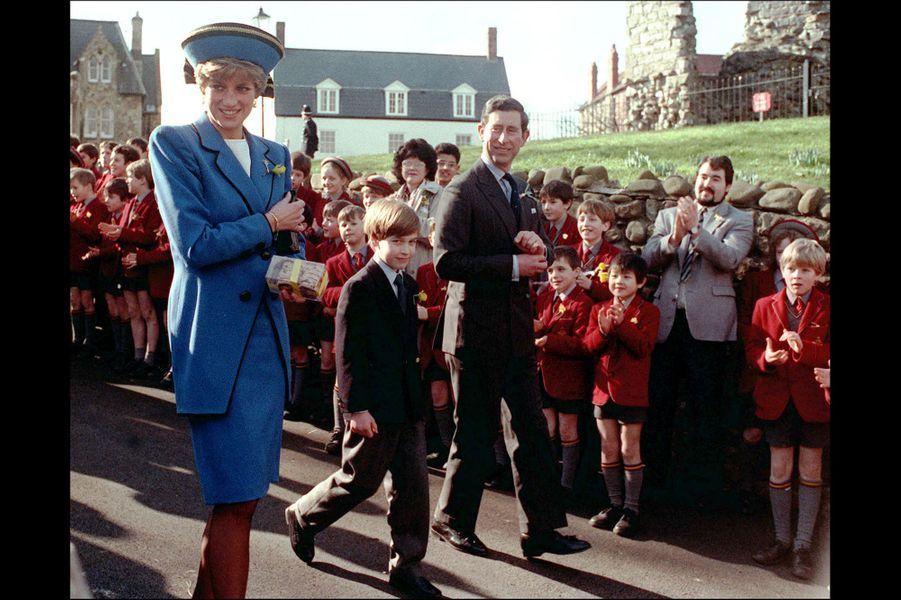 Le prince William, premier engagement officiel, le 1er mars 1991 à Cardiff