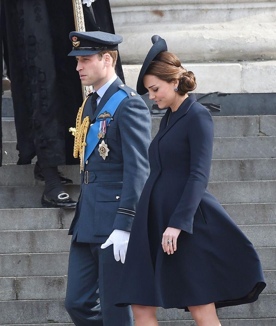 William avec Kate enceinte de Charlotte, en mars 2015