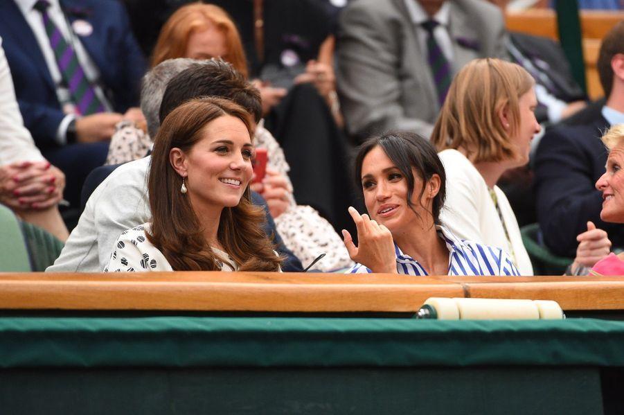 Kate Et Meghan Réunies À Wimbledon Pour La Finale Dames ( 22