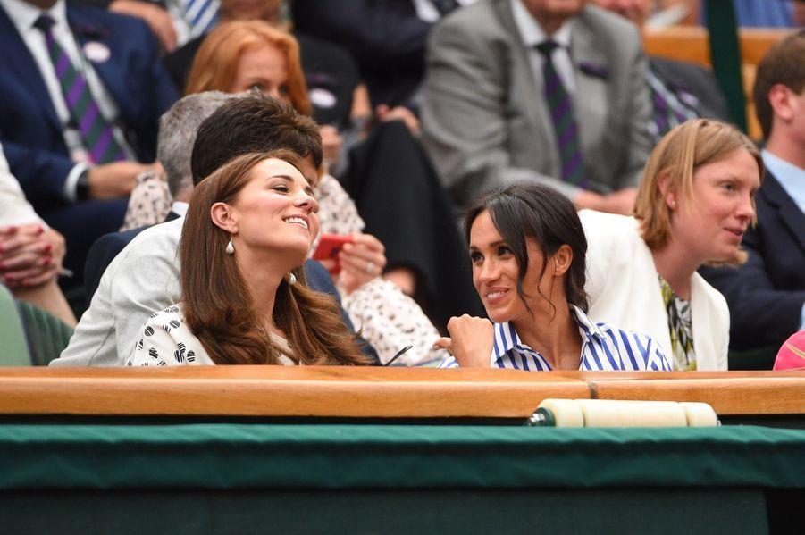 Kate Et Meghan Réunies À Wimbledon Pour La Finale Dames ( 24