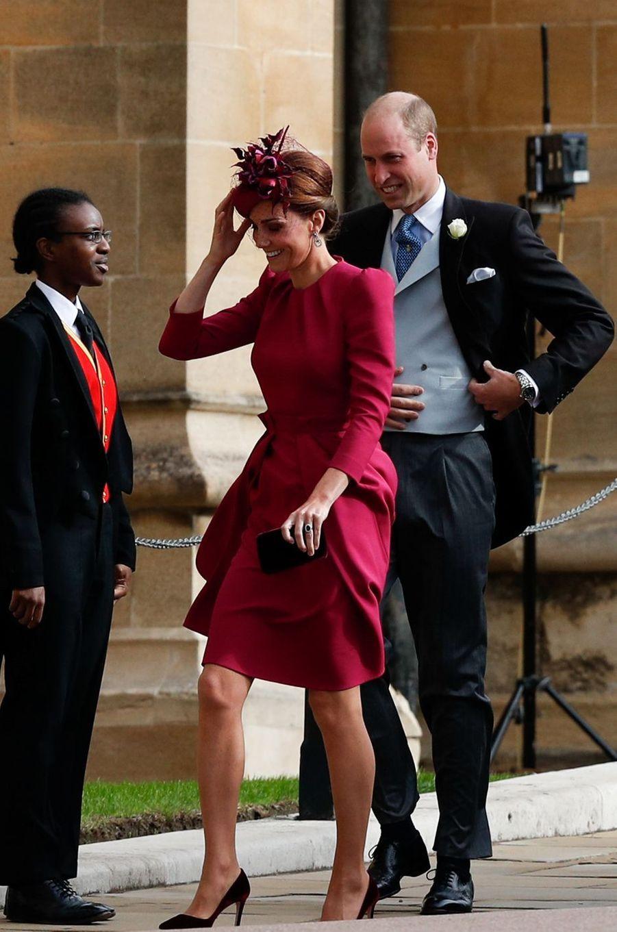 Kate, la duchesse de Cambridge, dans une robe Alexander McQueen, avec le prince William à Windsor, le 12 octobre 2018