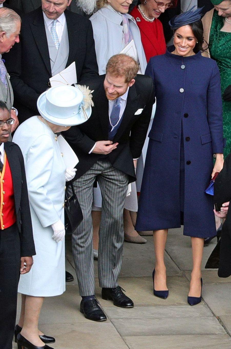 Meghan Markle, la duchesse de Sussex, avec le prince Harry et la reine Elizabeth II à Windsor, le 12 octobre 2018