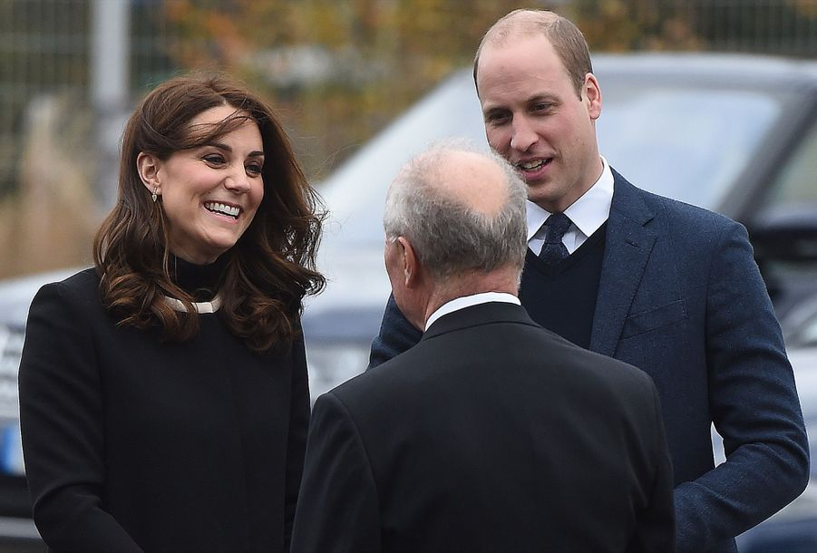 Kate Middleton Et Le Prince William À L'usine Jaguar Land Rover De Solihull 8