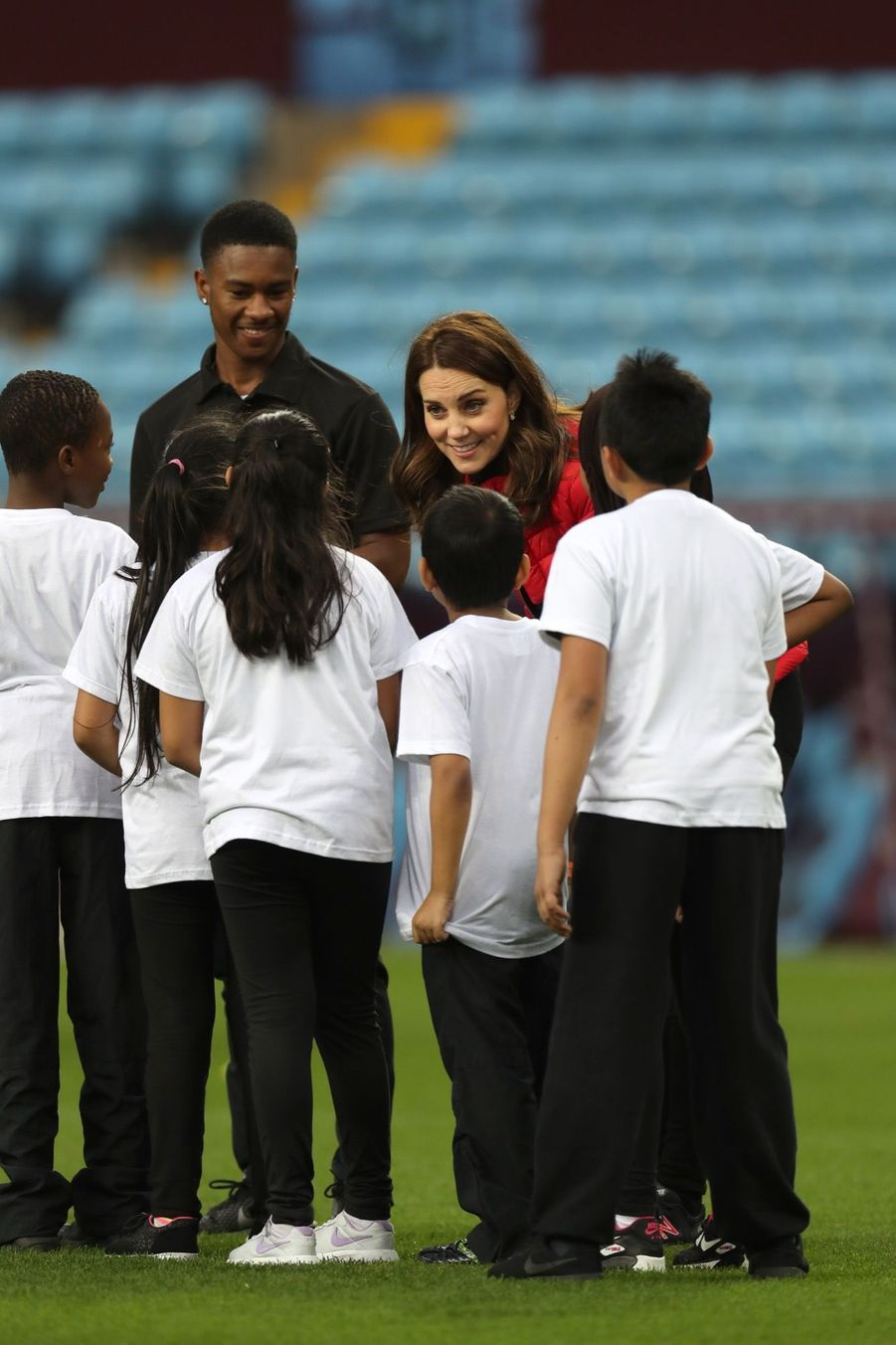 Kate Middleton Et Le Prince William Au Stade Du Club D'Aston Villa 11