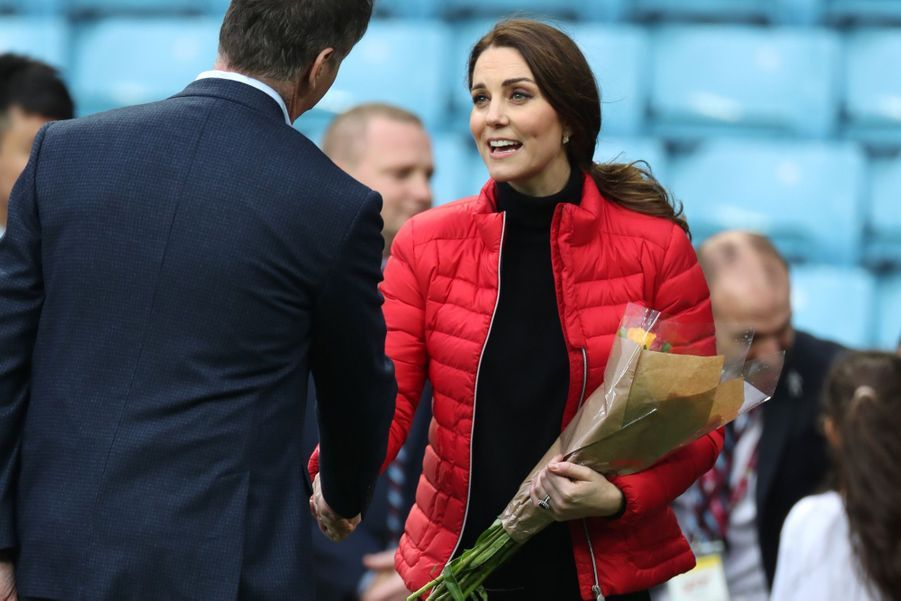 Kate Middleton Et Le Prince William Au Stade Du Club D'Aston Villa 15
