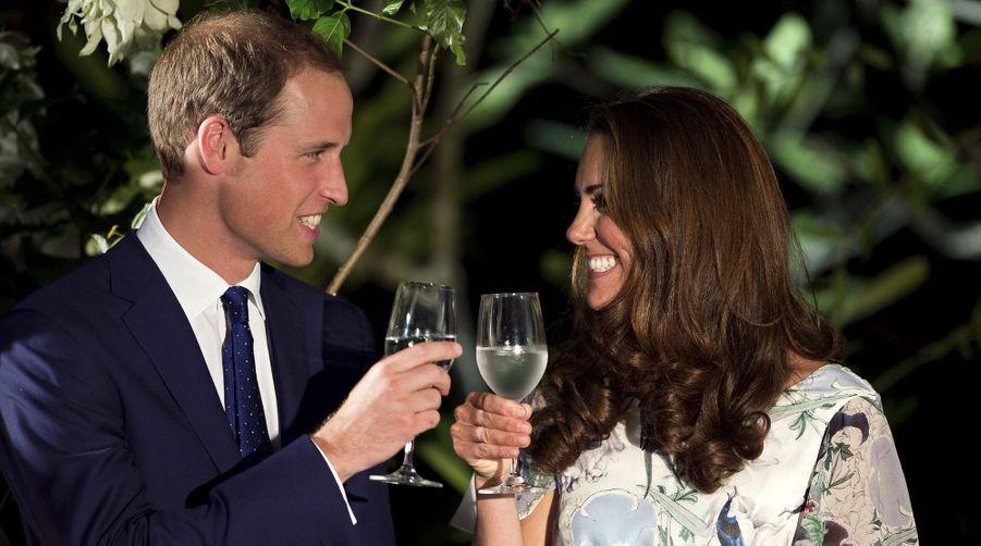Kate Middleton et le prince William lors d'un gala organisé en l'honneur du jubilé de diamant de la reine Elisabeth II à Singapour en septembre 2012