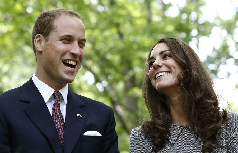 Kate Middleton et le prince William partagent un rire lors de leur visite officielle à Ottawa, au Canada, en juillet 2011