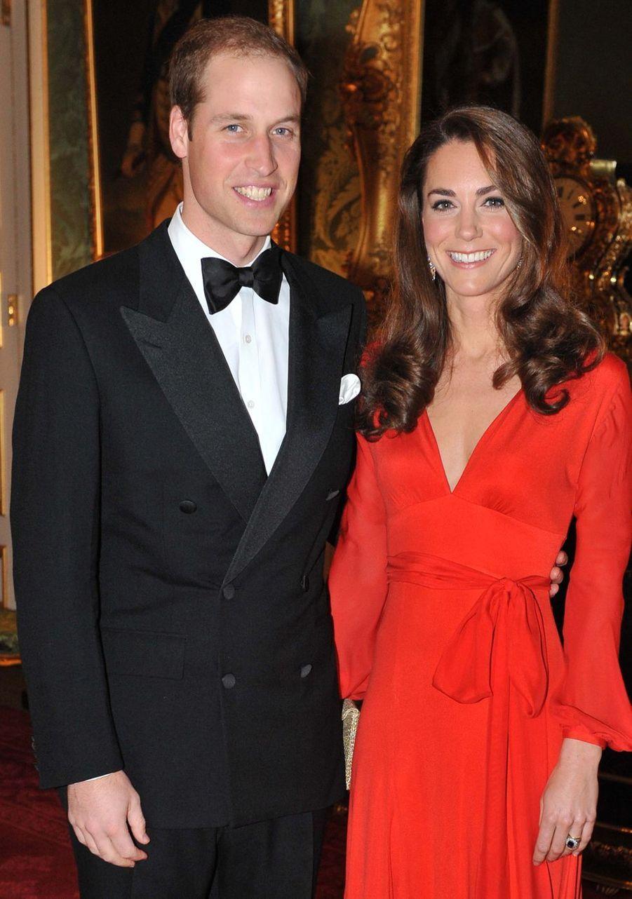 Kate Middleton et le prince William lors d'un gala caritatif aupalais Saint James en octobre 2011