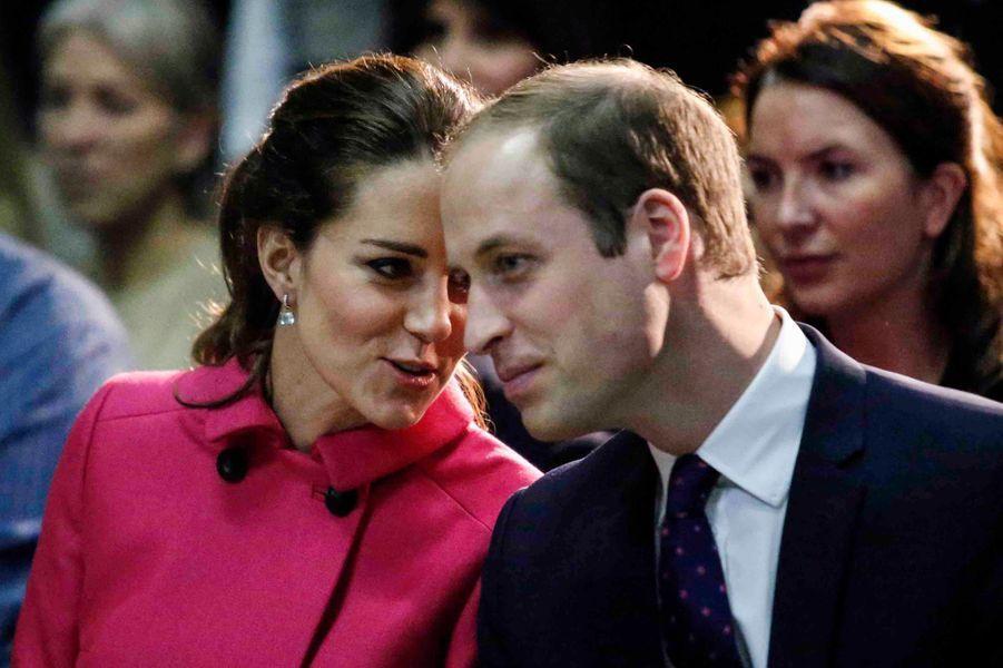 Le prince William et Kate assistent à un spectacle de jeunes soutenus par The Door à New York, le 9 décembre 2014