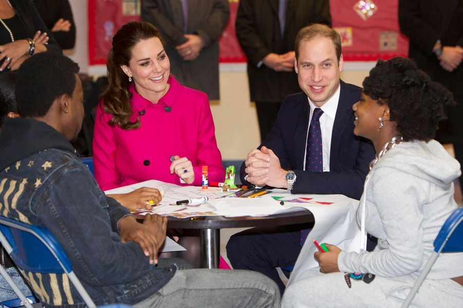 Le prince William et Kate avec des jeunes soutenus par The Door à New York, le 9 décembre 2014