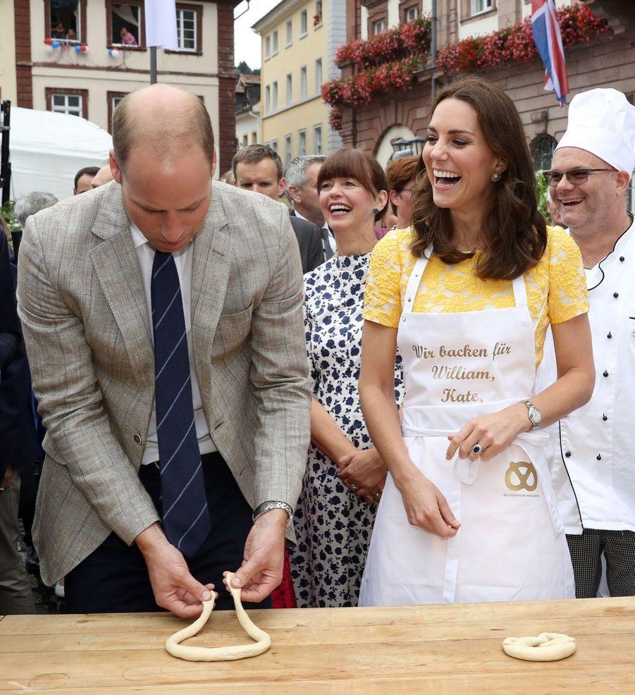 Kate Middleton Et Le Prince William En Visite Au Marché Central De Heidelberg, En Allemagne 11