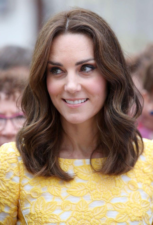 Kate Middleton Et Le Prince William En Visite Au Marché Central De Heidelberg, En Allemagne 12