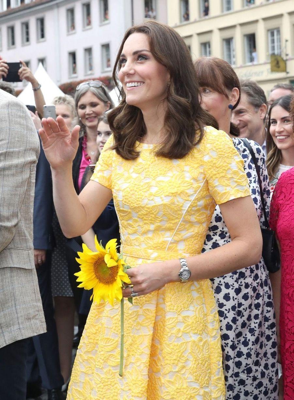 Kate Middleton Et Le Prince William En Visite Au Marché Central De Heidelberg, En Allemagne 14
