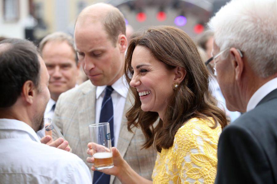 Kate Middleton Et Le Prince William En Visite Au Marché Central De Heidelberg, En Allemagne 15