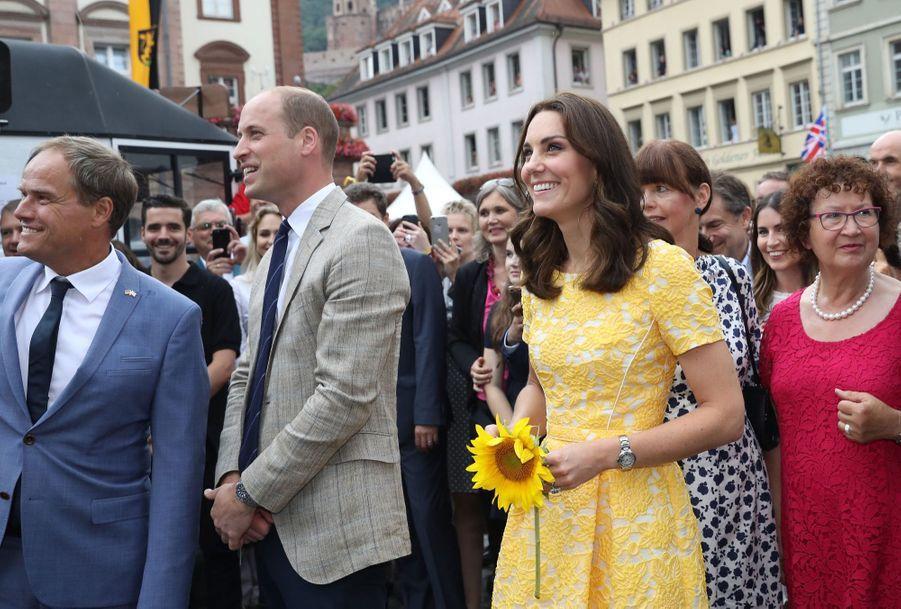 Kate Middleton Et Le Prince William En Visite Au Marché Central De Heidelberg, En Allemagne 17