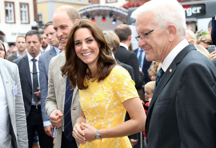Kate Middleton Et Le Prince William En Visite Au Marché Central De Heidelberg, En Allemagne 19