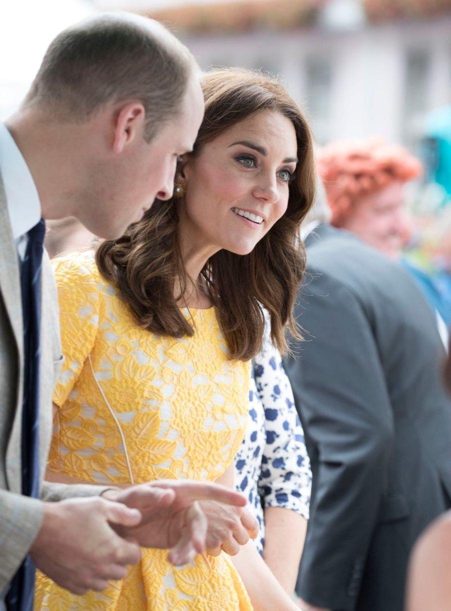Kate Middleton Et Le Prince William En Visite Au Marché Central De Heidelberg, En Allemagne 25