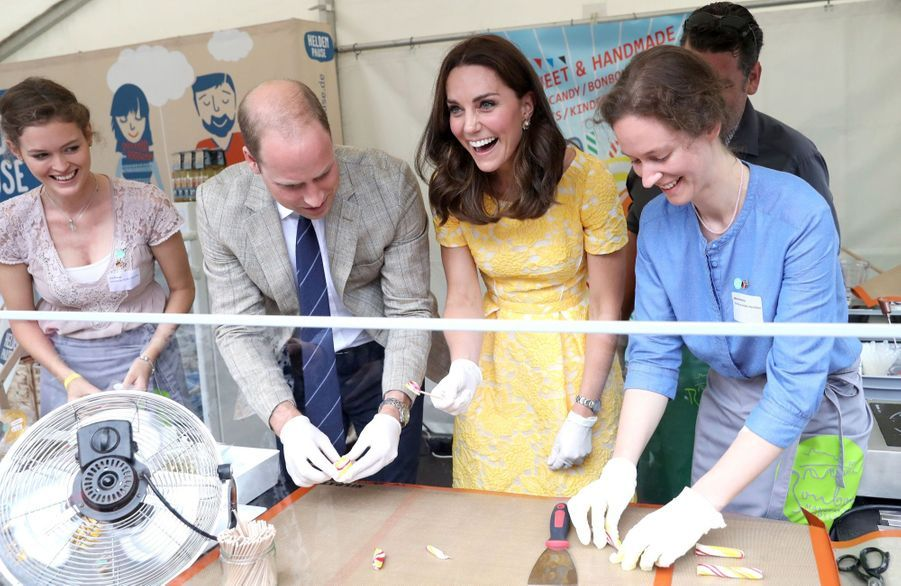 Kate Middleton Et Le Prince William En Visite Au Marché Central De Heidelberg, En Allemagne 3