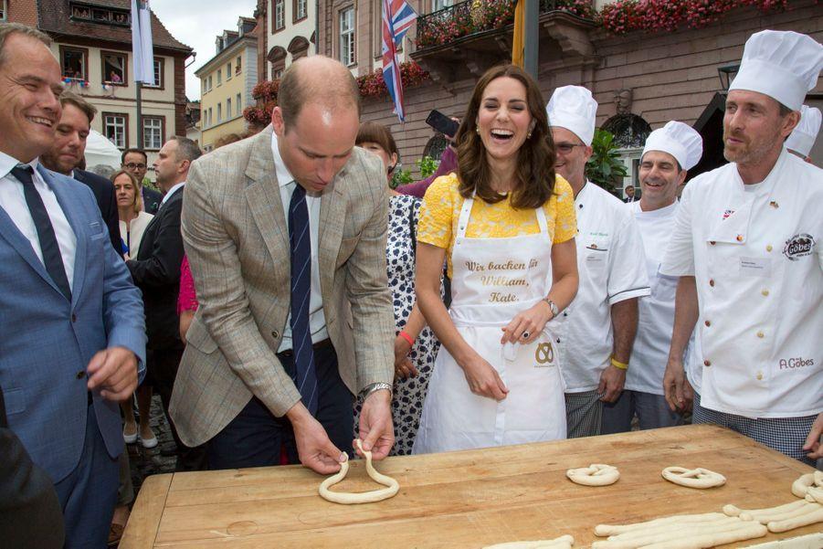 Kate Middleton Et Le Prince William En Visite Au Marché Central De Heidelberg, En Allemagne 30