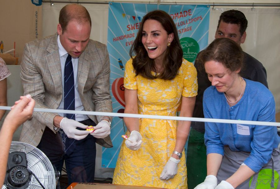Kate Middleton Et Le Prince William En Visite Au Marché Central De Heidelberg, En Allemagne 32