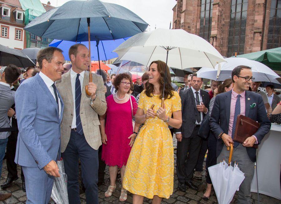 Kate Middleton Et Le Prince William En Visite Au Marché Central De Heidelberg, En Allemagne 33