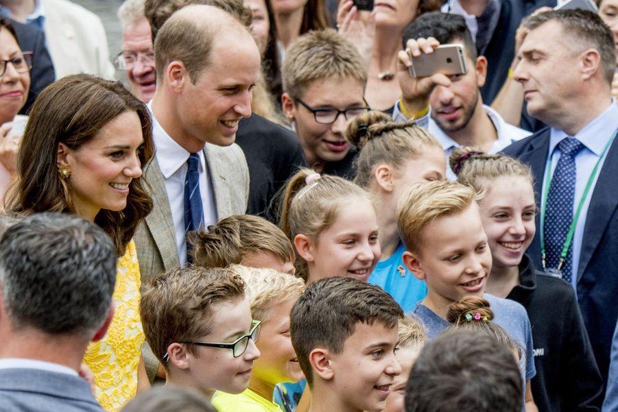 Kate Middleton Et Le Prince William En Visite Au Marché Central De Heidelberg, En Allemagne 34