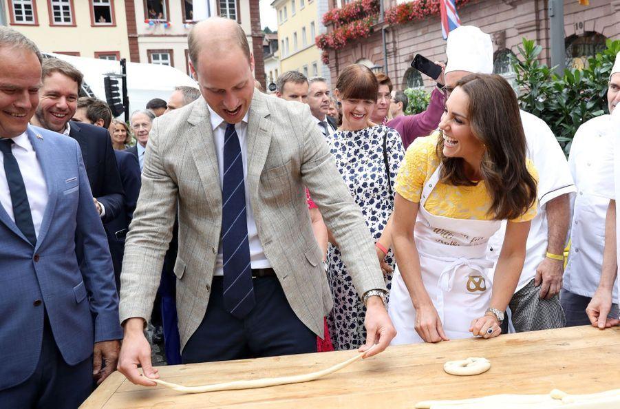 Kate Middleton Et Le Prince William En Visite Au Marché Central De Heidelberg, En Allemagne 4