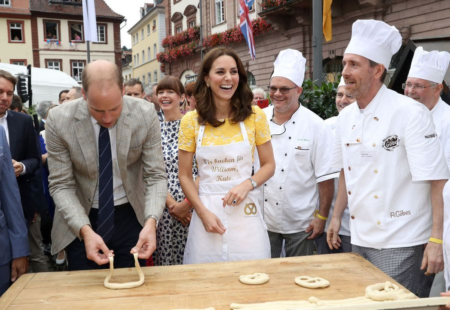 Kate Middleton Et Le Prince William En Visite Au Marché Central De Heidelberg, En Allemagne 8