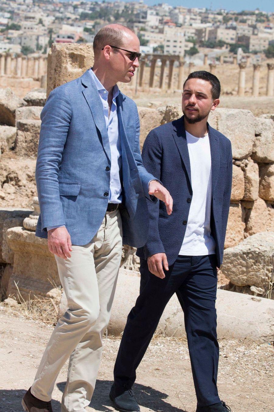 Le Prince William Et Le Prince Hussein De Jordanie En Visite Sur Le Site Archéologique De Jerash En Jordanie, Le 25 Juin 2018 ( 9