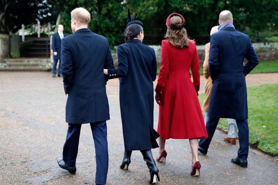 Kate et Meghan, les duchesses de Cambridge et de Sussex, de dos à Sandringham le 25 décembre 2018