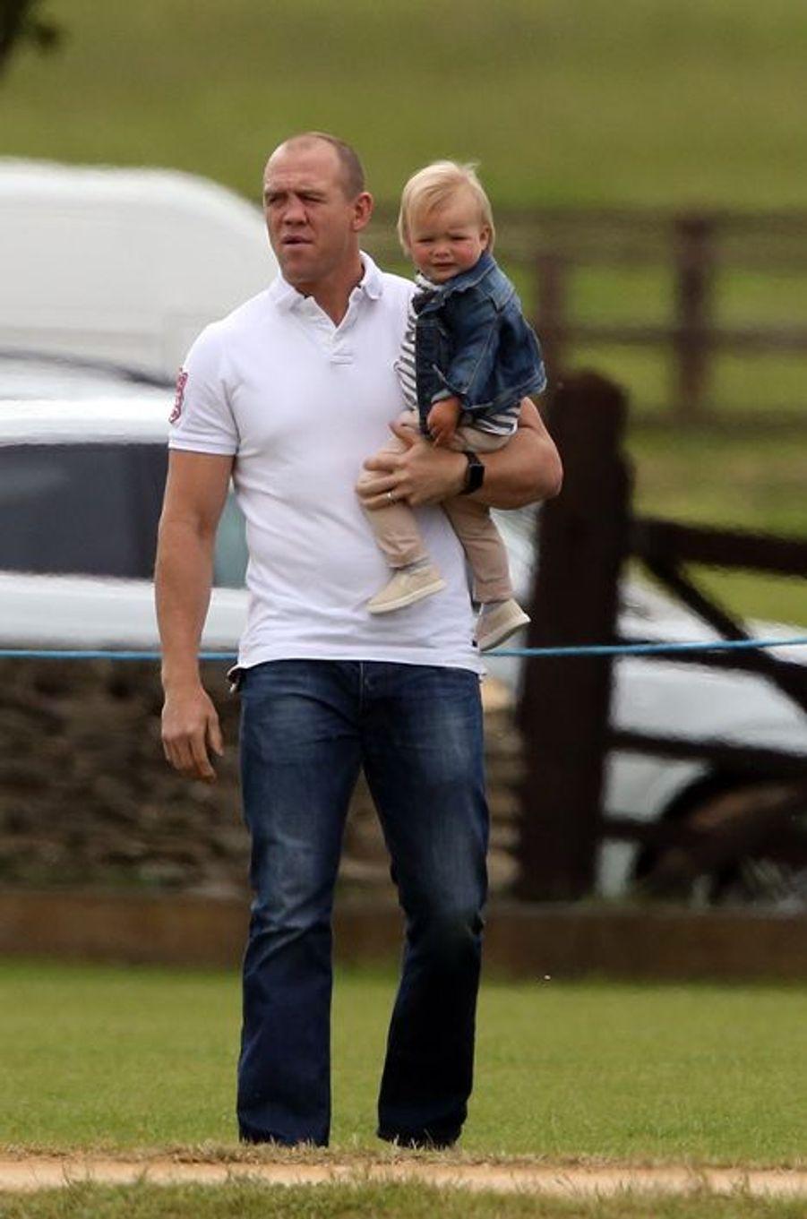 Mike Tendall et sa fille Mia à Tetbury, le 14 juin 2015