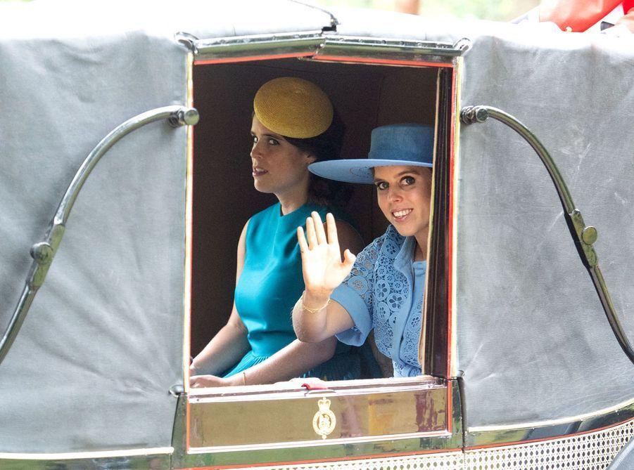 Les princesses Eugenie et Beatriceau Royal Ascot dans le Berkshire le 18 juin 2019