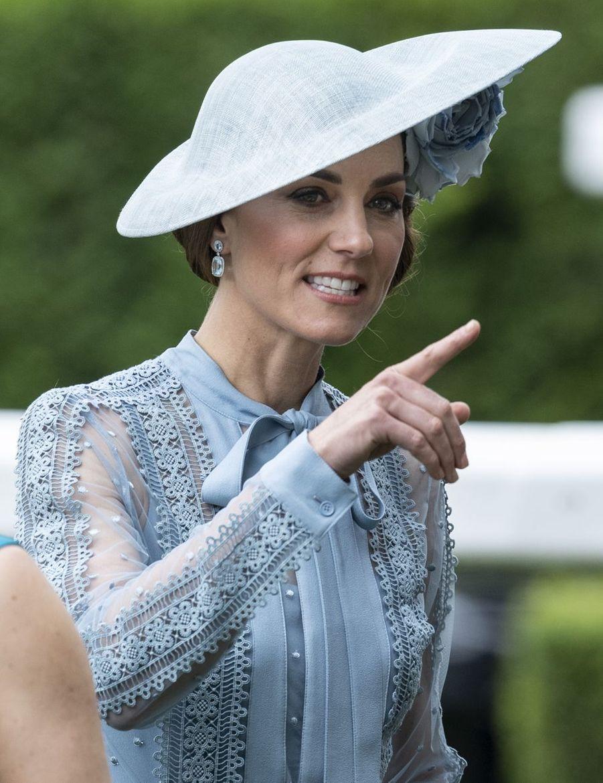 Kate Middleton au Royal Ascot dans le Berkshire le 18 juin 2019
