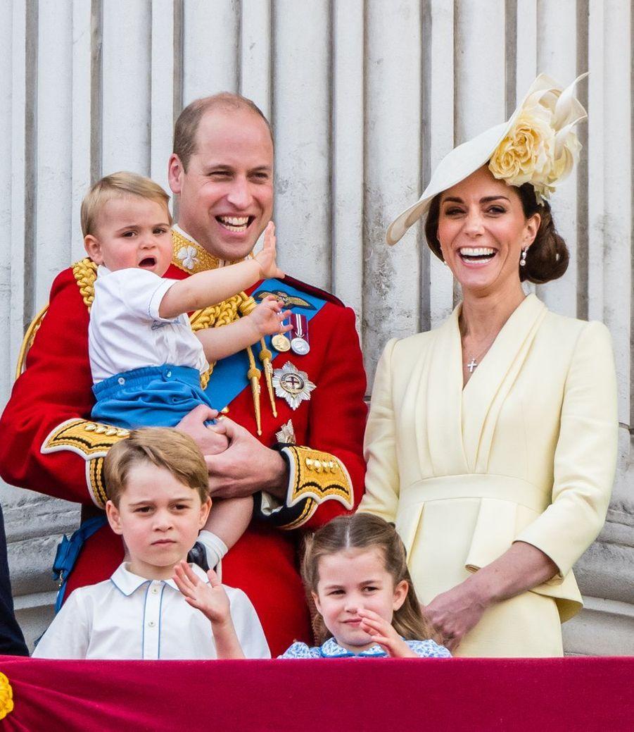 Le prince William, Kate Middleton et leurs enfants George, Charlotte et Louis lors de la parade Trooping the Colour à Buckingham Palace le 8 juin 2019
