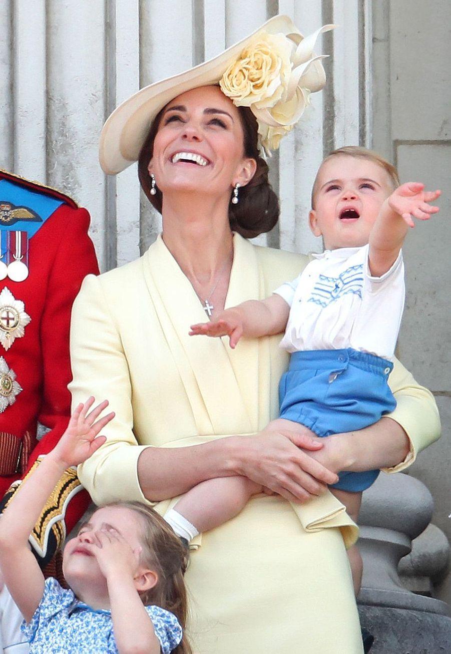 Kate Middleton avec le prince Louislors de la parade Trooping the Colourle 8 juin 2019