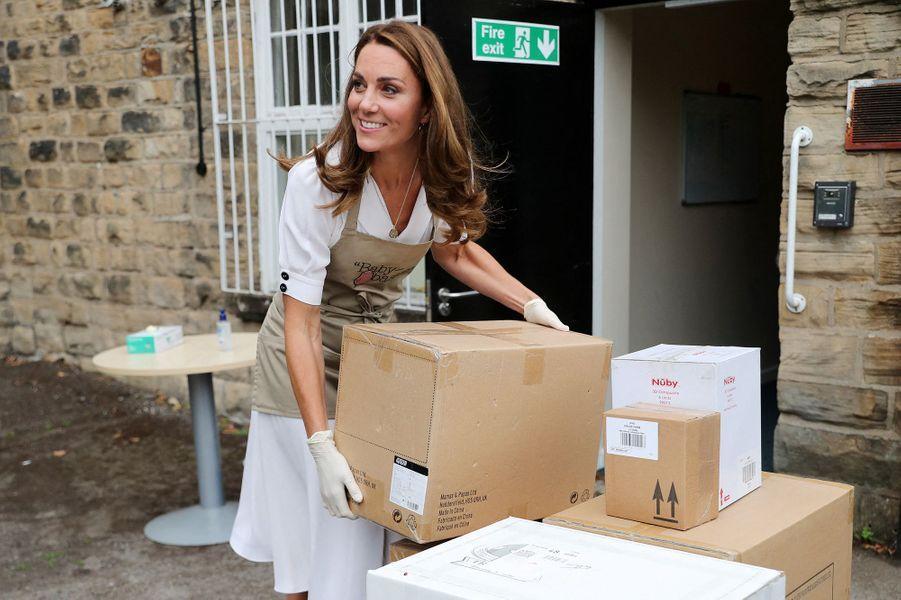Kate Middleton visite l'association Baby Basics UK àSheffield le 4 août 2020