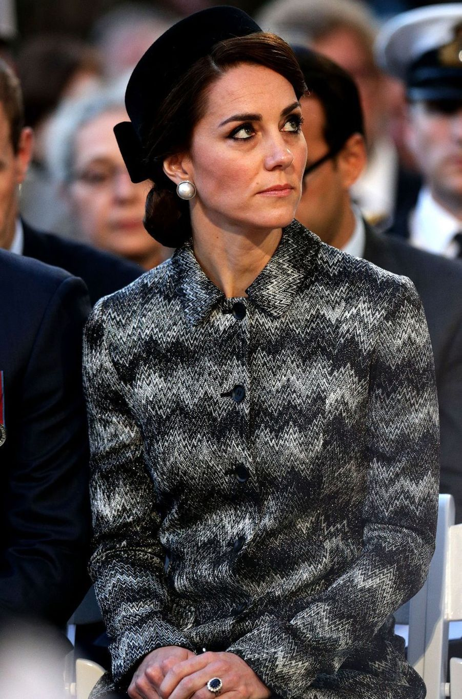 Le chapeau de la duchesse de Cambridge, née Kate Middleton, à Thiepval en Picardie le 30 juin 2016