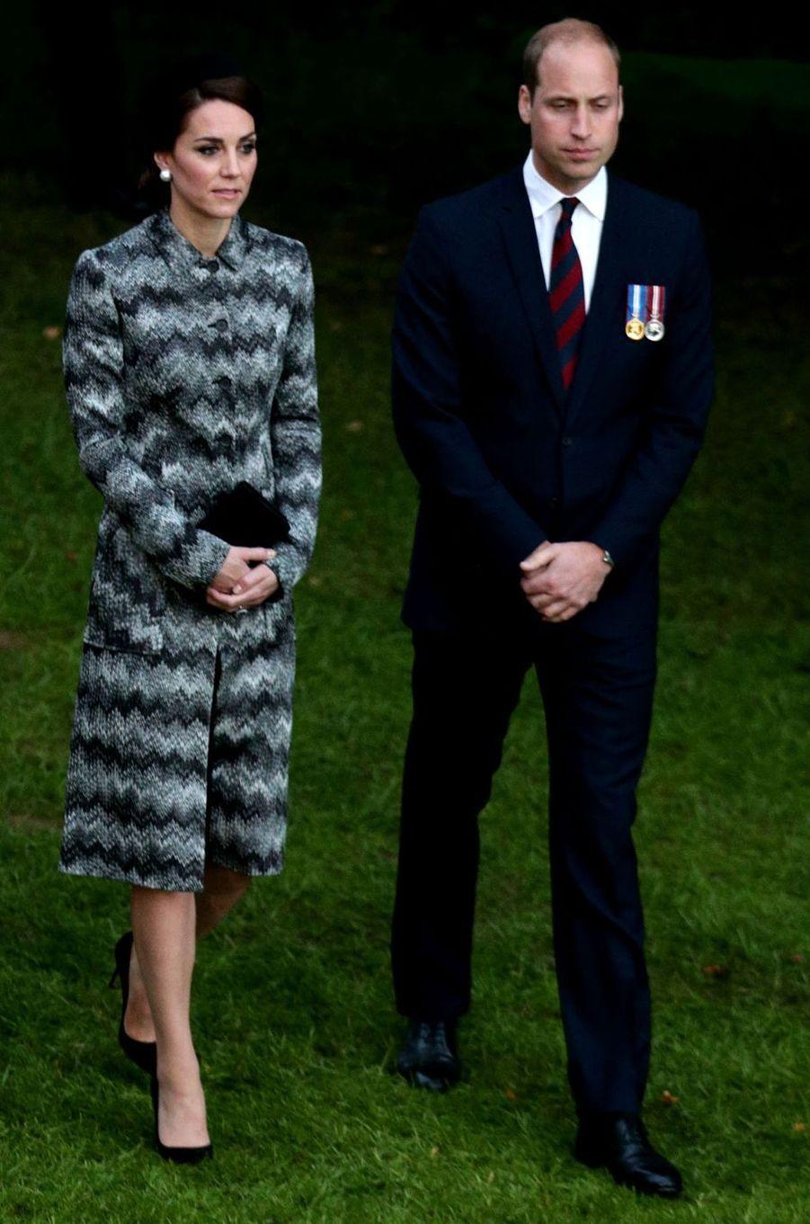 La duchesse de Cambridge, née Kate Middleton, en Missoni à Thiepval en Picardie le 30 juin 2016
