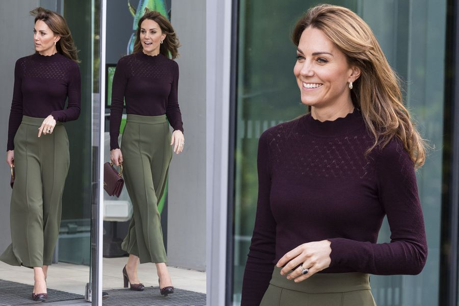 Kate Middleton (en pantalon Jigsaw et pull Warehouse) visite l'Angela Marmont Centre au Natural History Museum à Londres le 9 octobre 2019