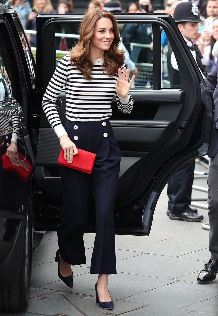 Kate Middleton (en pantalon LK Bennett) à l'inauguration de la régate The King's Cup à Greenwich le 7 mai 2019