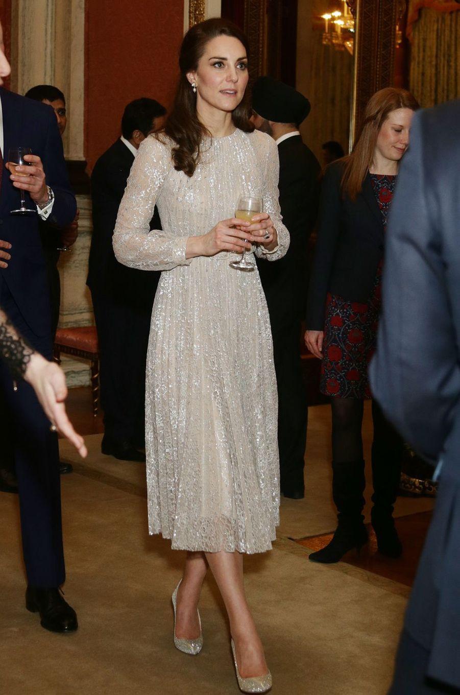 La duchesse Catherine de Cambridge en Erdem le 28 février 2017