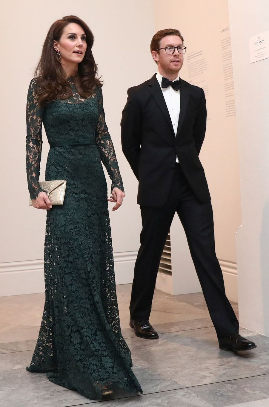 La duchesse Catherine de Cambridge en Temperley London le 28 mars 2017