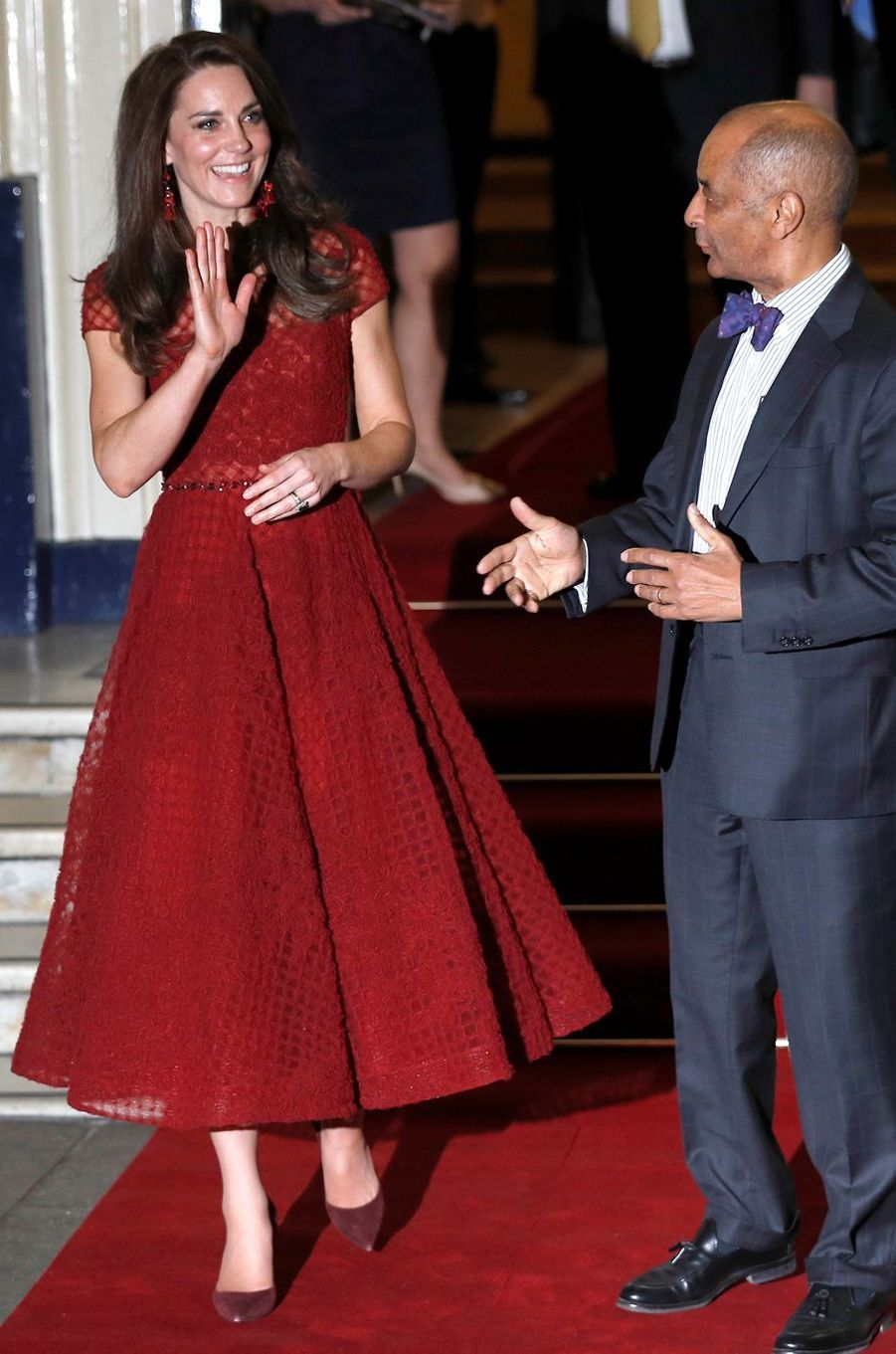 La duchesse Catherine de Cambridge en Notte by Marchesa le 4 avril 2017